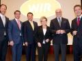 Der neue WIR-Vorstand mit Johannes Schulze (2.v.li.) , Wilhelm Wackerbeck (5.v.li)  und Willy Fischel (re))