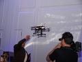 DeLonghi Drohne bringt Kaffeetasse