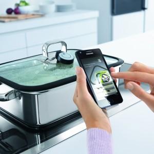 Soll ab Juli 2013 im Handel erhältlich sein: der WMF Vitalis mit app-gestütztem Kochassistenten. (Bild: WMF)