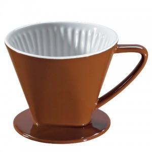 Der neue Keramikfilter in Kaffeebraun von cilio gibt dem Aufbrühen von Hand den letzten Pfiff. (Bild: cilio)