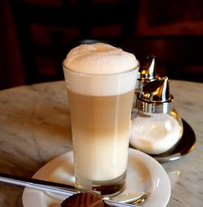 Milchschaum Die Haube des Kaffeegenuss