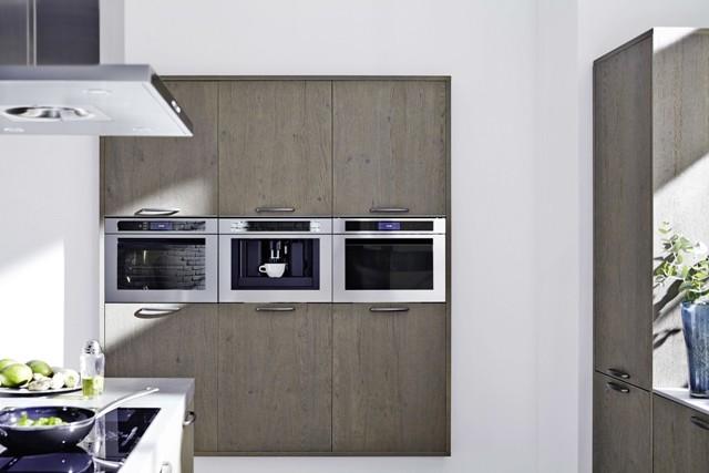 Nischen für Einbau-Kaffeevollautomaten müssen bei der Küchenplanung berücksichtigt werden. (Bild: AMK)