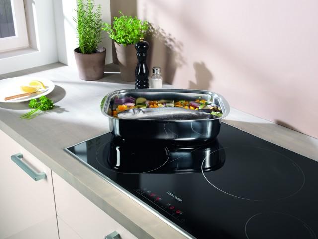 Constructa modernes Kochvergnügen in den Mittelpunkt. Bis zum 31. Mai 2014 präsentiert das Einbaugeräteprogramm im Küchen- und Möbelhandel, wie flexibel, bequem und einfallsreich Kochen auf Induktions-Kochstellen ist.