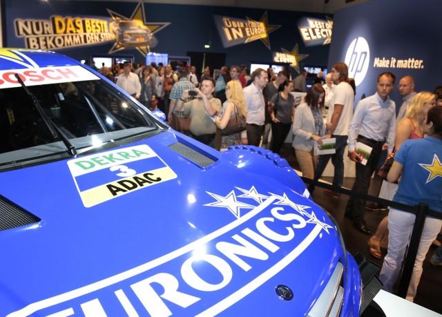 Auch 2014 ist das EURONICS gebrandete Show Car des Mercedes AMG DTM-Teams mit dabei. (Bild: Euronics)