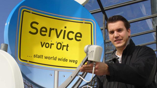 """WIR - """"Service vor Ort – statt worldwide weg"""""""