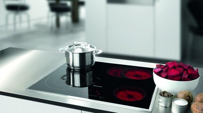 Bestwert in der Praxis beim Kochen: Glaskeramikkochfeld KM 5812 von Miele.