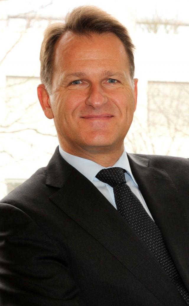 Dr. Andreas Rouvé