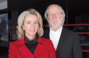 Andrea Heiner-Kruckas, Marketing Direktorin bei Küppersbusch, und Klaus Keichel, seit über 40 Jahren für das Design der Küppersbusch Produkte verantwortlich.