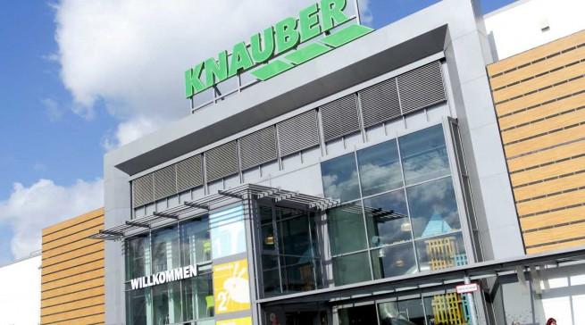 In Pulheim zeigt Knauber mit 14 Partnern aus der Industrie die Zukunft des Handels. Fotos: Knauber Freizeit.