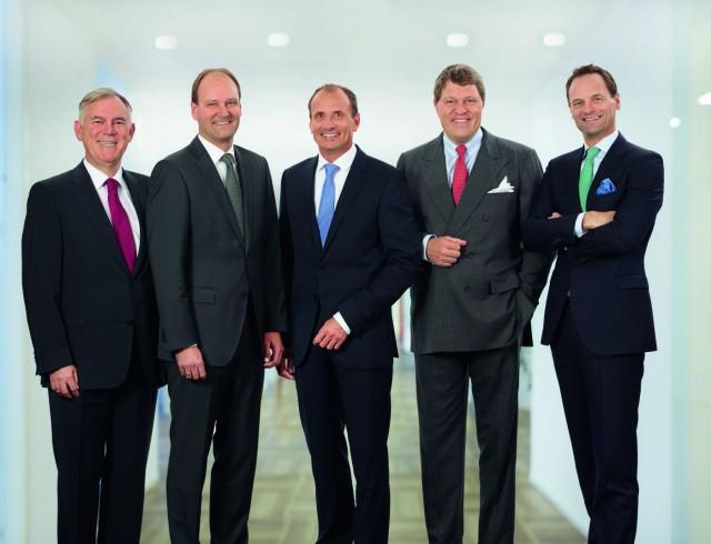 Hat Grund zur Freude: Die Miele-Geschäftsleitung mit Dr. Eduard Sailer, Dr. Markus Miele, Olaf Bartsch, Dr. Reinhard Zinkann und Dr. Axel Kniehl (v.l.)