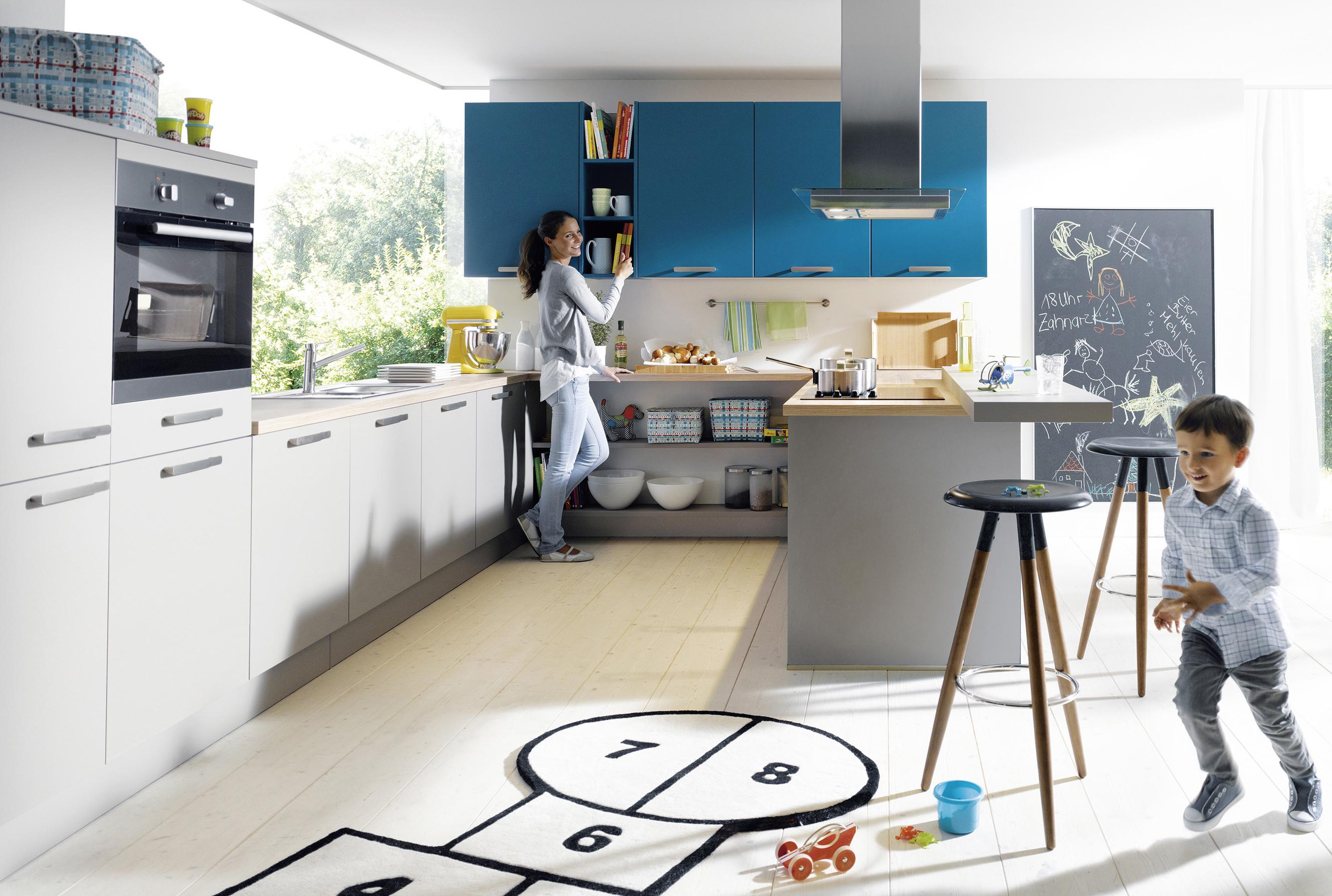 17972671 Küchen Farbgestaltung Und Farben Für Küchen Fotos, Beispiele,  Ideen Und Design #2F6786