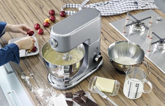 Sieht gut aus, liefert excellente Ergebisse: WMF-Küchenmaschine Profi Plus.