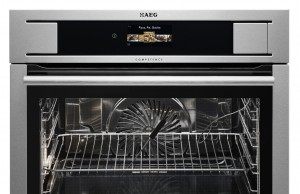 AEG Backofen ProCombi Plus mit FullTaste Steam System.