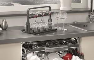 AEG Geschirrspüler ProClean mit neuem Glaskorb.