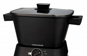 Morphy Richards Slow Cooker Sear and Stew Compact mit 3 Kocheinstellungen.