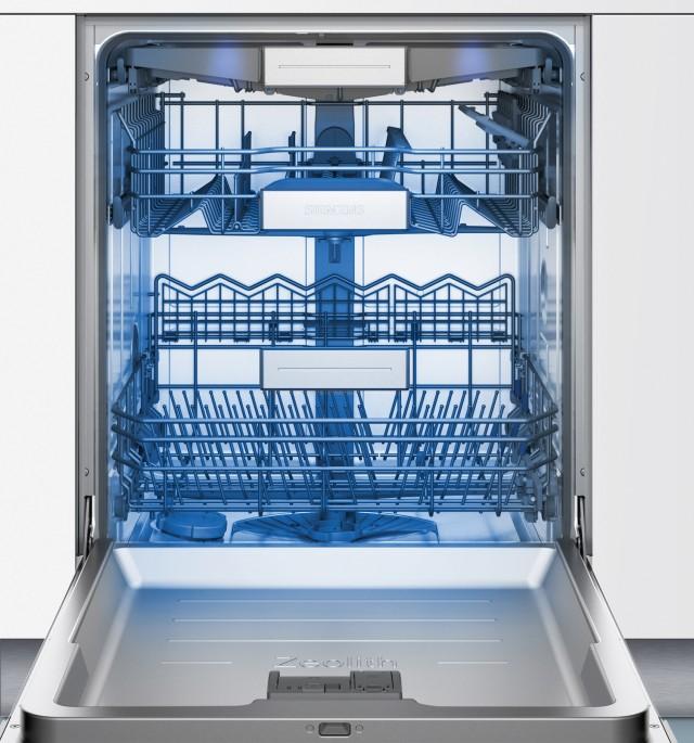 Siemens Geschirrspüler iQ700 SX678X26TE ist ein vollintegrierbares Gerät.