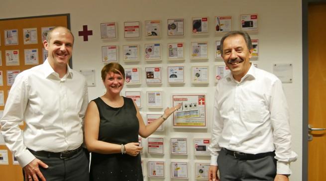 Haben über zahlreiche Prämierungen Grund zur Freude: Alexander Zeeh (Head of Home Appliances), Diana Diefenbach (Head of Communications Home Appliances) und Michael Laue (Leiter des ERC).