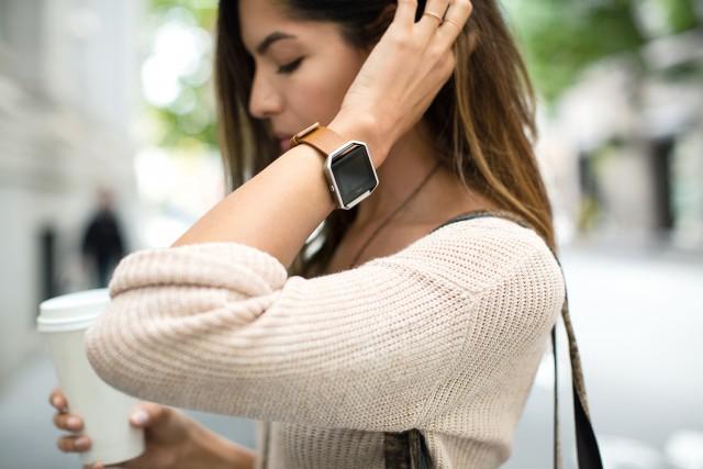 Fitbit Blaze ist eine elegante Fitness Watch, die sich durch ihr vielseitiges Design jedem persönlichen Stil anpasst.