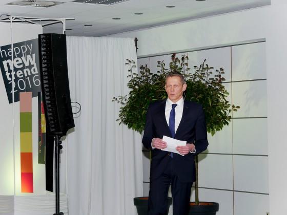 """Wolfgang Behrends, Vorsitzender des EK-Aufsichtsrats, stimmte auf die VIP Preview ein und betonte, dass durch das """"Engagement der ehrenamtlich tätigen Mitglieder nicht nur der Einkaufverbund, sondern auch die Fachgeschäfte im mittelständischen Einzelhandel gestärkt werden."""""""