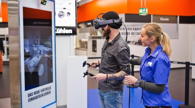 Die virtuelle Küchenplanung ist eines von mehreren Virtual Reality-Angeboten, mit dem Saturn das Einkaufserlebnis intensivieren möchte.