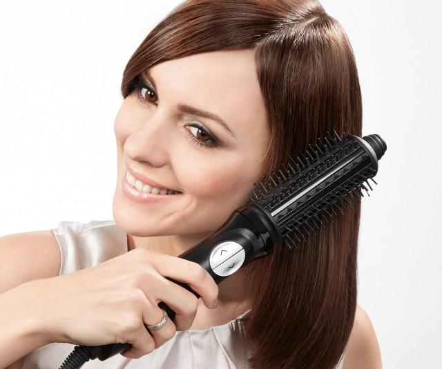 Bosch Rundbürste ActiveShape Creator ist Haarglätter und Rundbürste in einem Gerät.