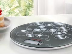 Soehnle Küchenwaage Flip mit nur 15 mm Höhe.