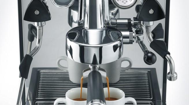 """Nicht nur optisch Liebe auf den esrten Blick und für Graef ein Meilenstein: Siebträger-Espressomaschine """"contessa""""."""