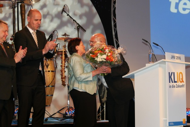 Voller Herzblut verabschiedete telering Geschäftsführer Franz Schnur das langjährige Mitglied des Aufsichtsrats Monika Schneider vom Großhandelshaus Wohlfarth.