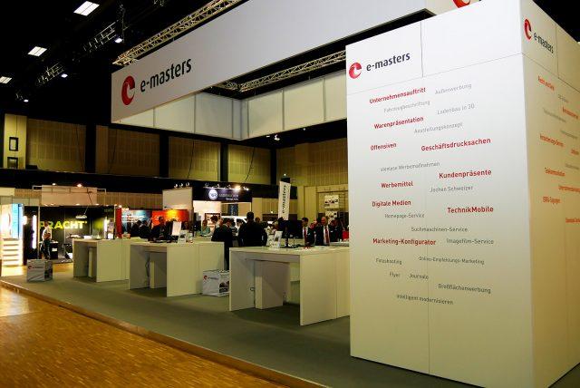 Am e-masters Kommunikationsstand informierten sich die Mitglieder über das umfangreiche Leistungspaket.