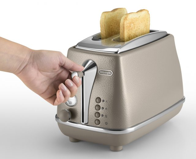 De´Longhi Toaster Icona Elements mit 2 Toast-Kammern.