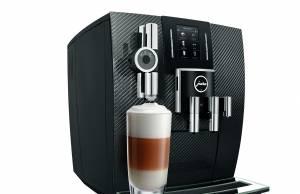 Der Jura Kaffeevollautomat J6 in der limitierten Edition Carbon
