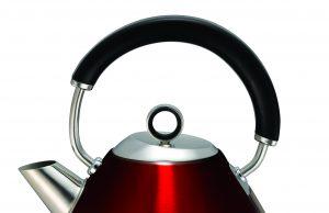 Der Morphy Richards Accents Wasserkocher in Rot