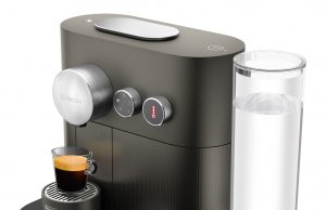 De´Longhi Nespresso Kaffeemaschine Expert mit Smart-Home-Steuerung.