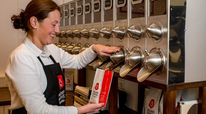 Zehn verschiedene Kaffee-Spezialitäten werden in der Kölner Kaffeemanufaktur geröstet und verkauft.