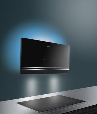 Dei Siemens Dunstabzugshaube iQ700 mit Hintergrundbeleuchtung