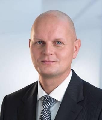 Metro-Chef Olaf Koch berichtete von spannenden Multichannel-Zahlen: Inzwischen werden in rund 40 % der Fälle die Onlinebestellungen von den Kunden in den Läden abgeholt.