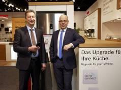 Führten clever & smart über den Bosch- Strand auf der LivingKitchen: Geschäftsführer Harald Friedrich (l.) und Marketingleiter Michael Bohn.