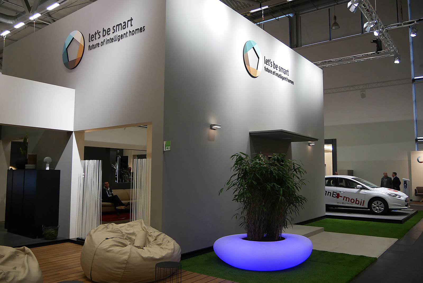 livingkitchen hier kommt die zukunft in die k che. Black Bedroom Furniture Sets. Home Design Ideas