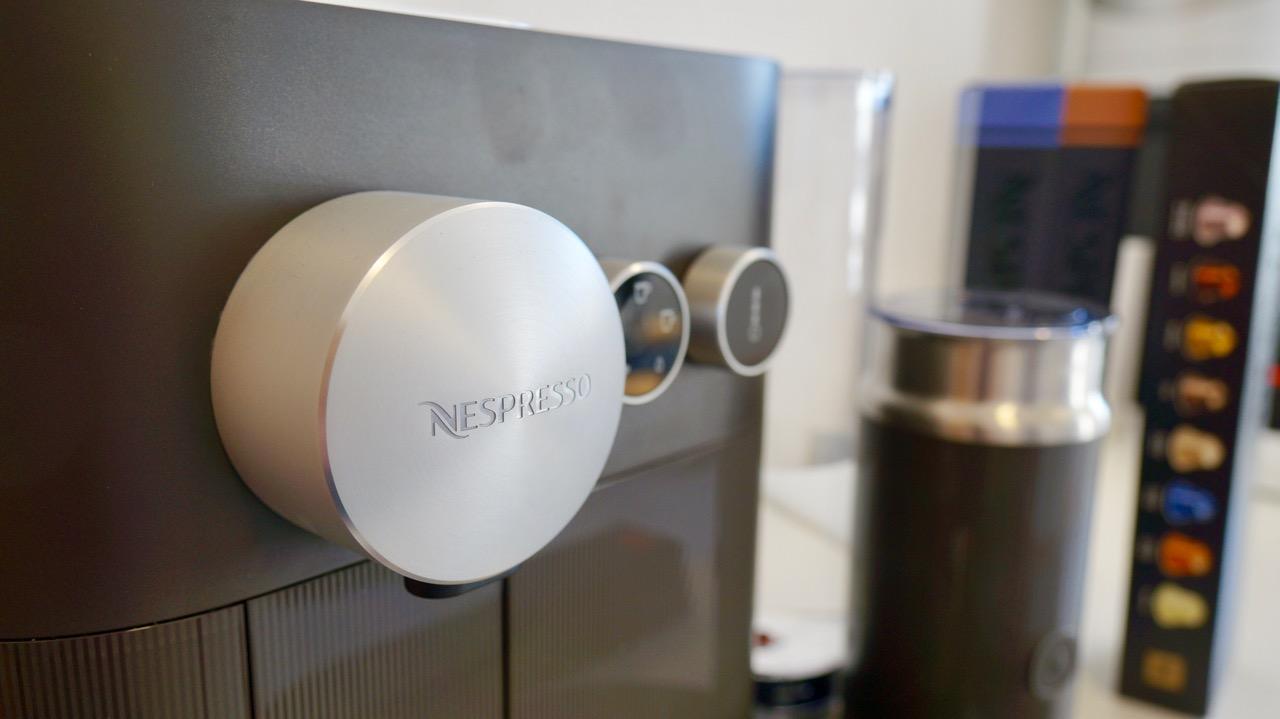 Nespresso Expert & Milk De'Longhi