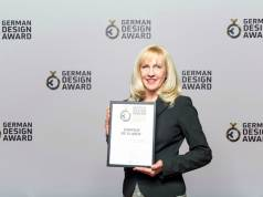 "Gisela Langel, Senior Marketing Managerin bei Gorenje, freut sich über den ""German Design Award – Special Mention 2017"" in der Kategorie ""Kitchen""."