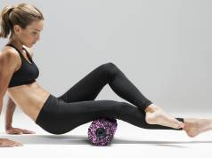 Medisana Massagerolle PowerRoll Soft mit Tiefenvibration.