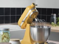 KitchenAid Küchenmaschine Mini mit 250 Watt Leistung.