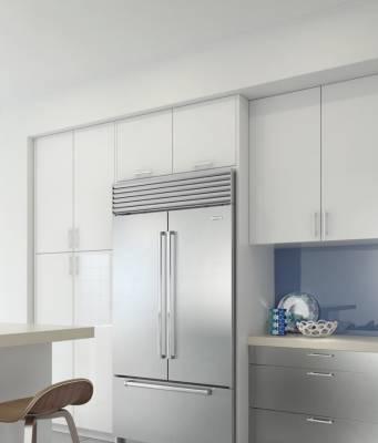 Die Sub-Zero Kühl-Gefrierkombination ICBBI–42UFDID mit French Door