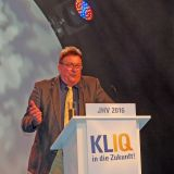 Josef Veith, Inhaber Fernseh Krug in München, rief die Mitglieder auf, Geschäftsführung und Aufsichtsrat zu entlasten, was dann auch einstimmig geschah.