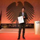 """Patrick Schwarzhaupt, Bereichsleiter media&home bei der Verbundgruppe Euronics, nahm den Award für den """"Besten Elektronik-Händler Deutschlands"""" stellvertretend für seine Mitglieder in Empfang."""